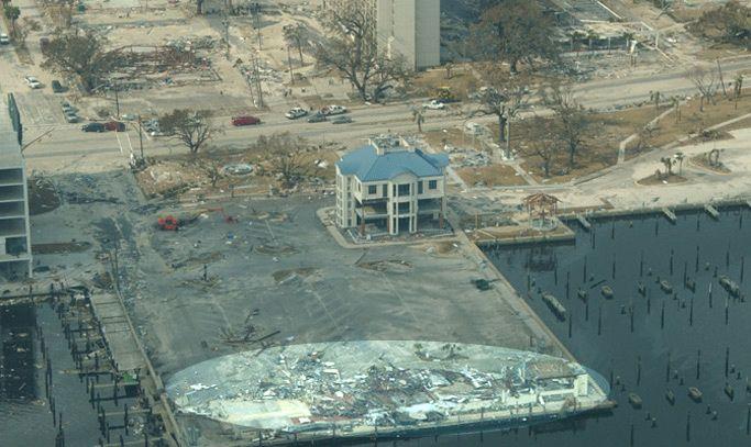 Destroyed Mcelroy S Harbor House Restaurant In Biloxi Harbor House Biloxi House Restaurant