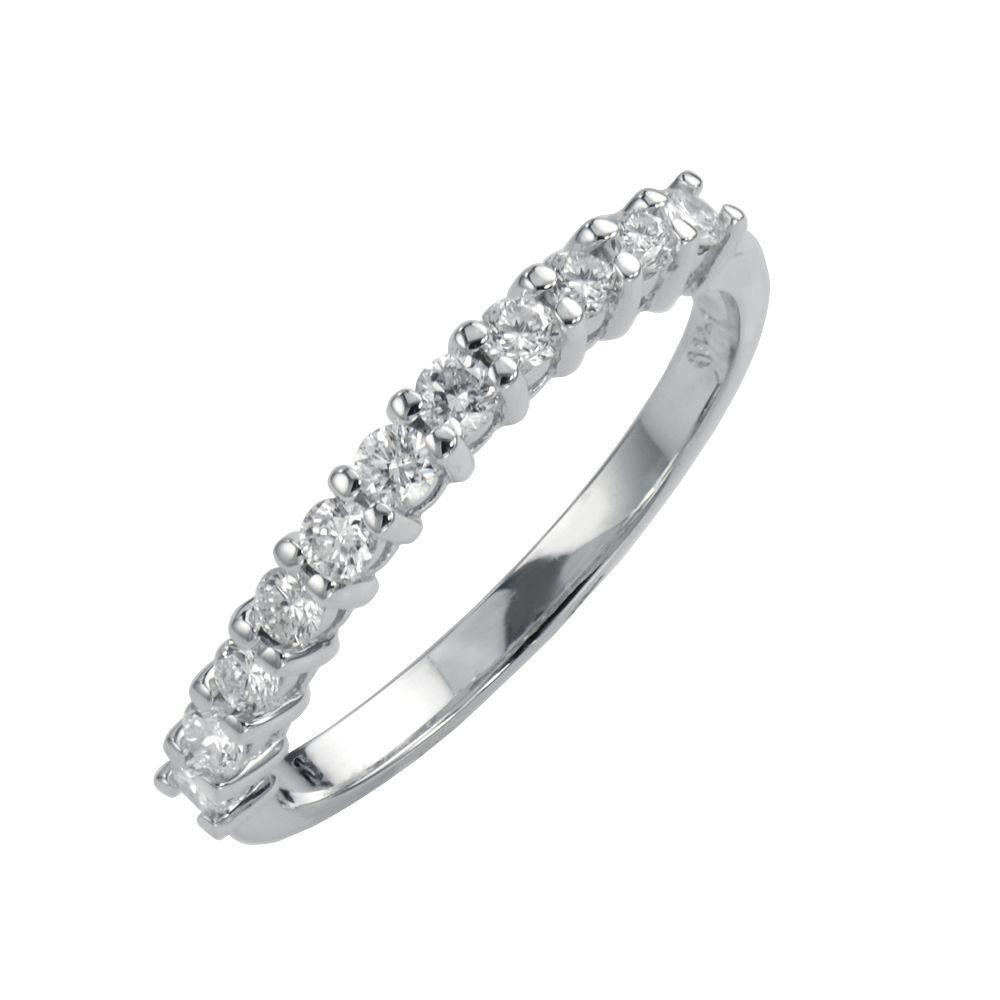 Elegant ladies diamond ring with round brilliant cut diamonds set in