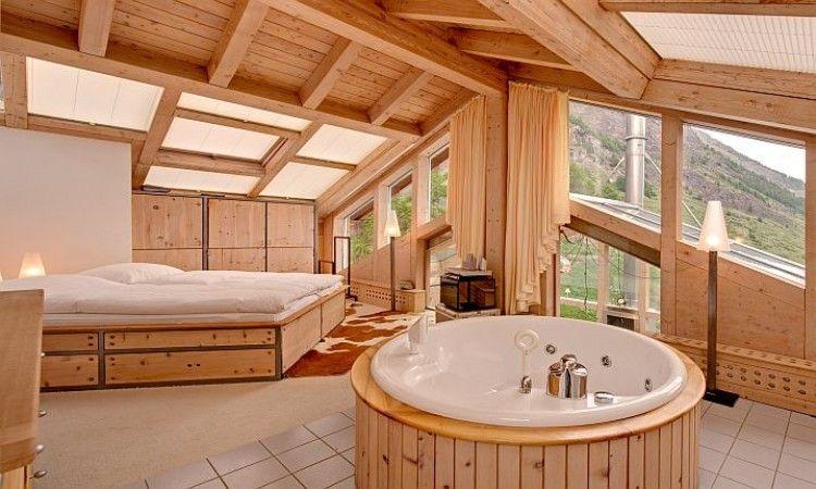 Chambre à coucher dans un chalet à Zermatt en Suisse #vacances