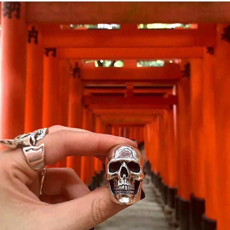 TGF visits Fushimi Inari-Taisha Shrine Kyoto Japan. (RG: @thescreamingskull) #anatomicalskull #skullring #kyoto #fushimiinari