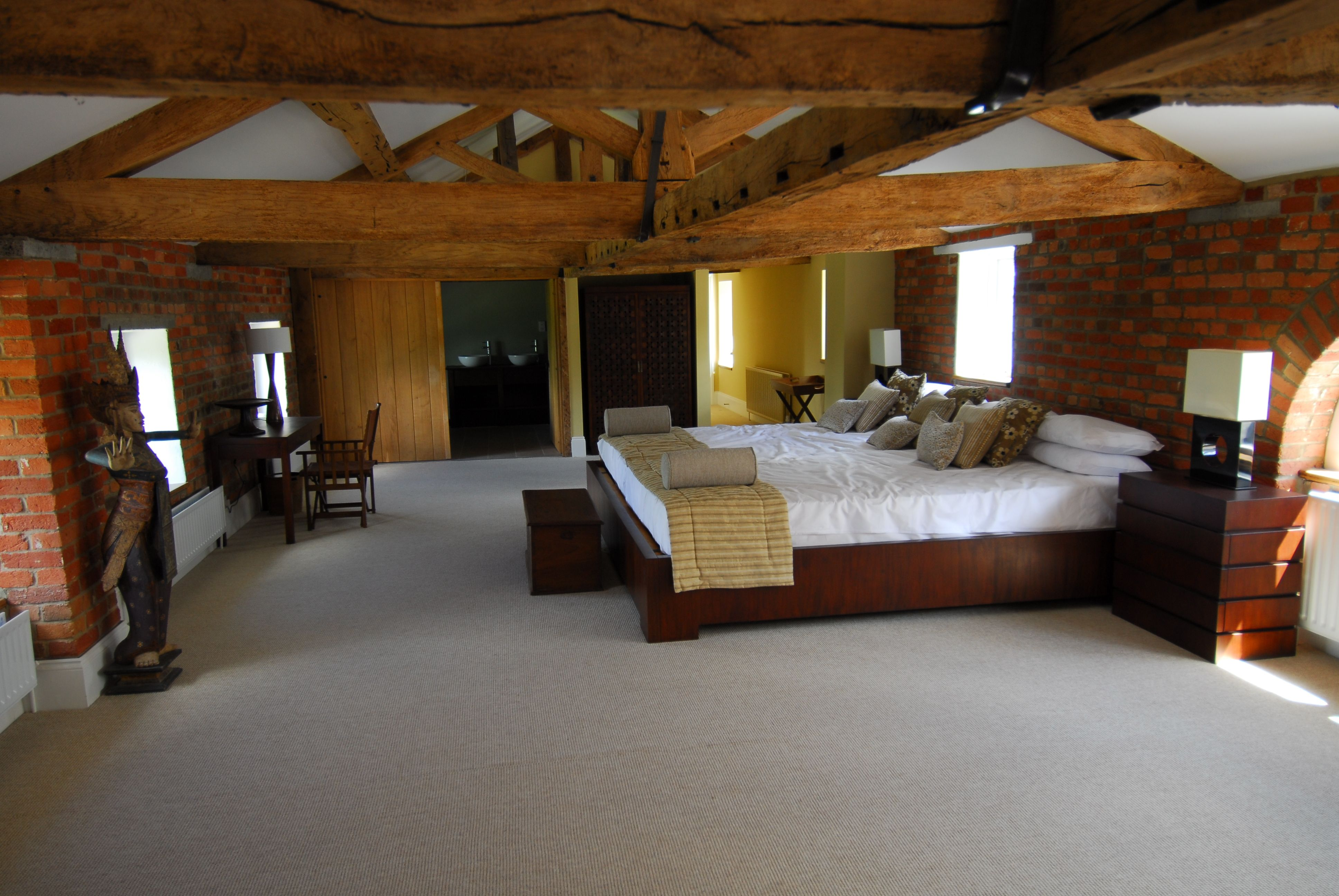 The stunning Honeymoon Suite at the Stables Lodge Wasing Park with