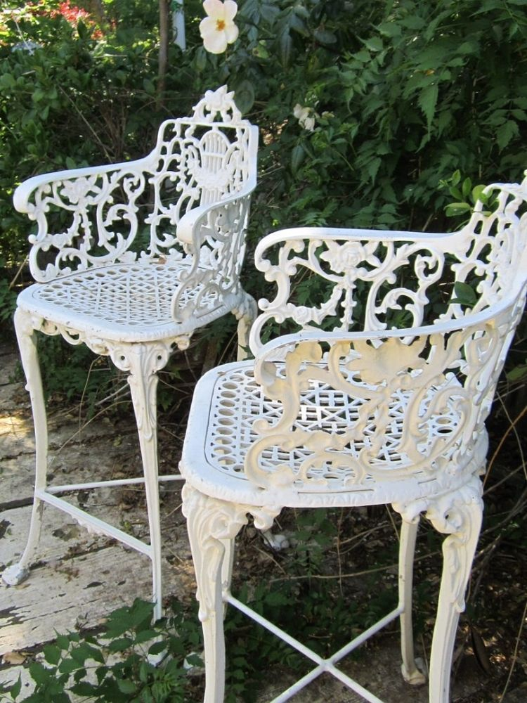 Vintage Victorian White Ornate Wrought Iron Chair Indoor Or Outdoor Barstool