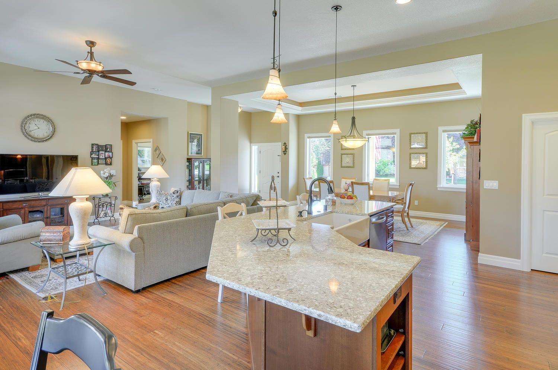 Mascord Design Renville Home, Custom home builders
