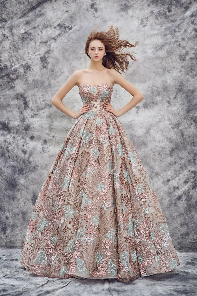 19 Magical Wedding Gowns For The Winter Fairy Tale Bride Gowns