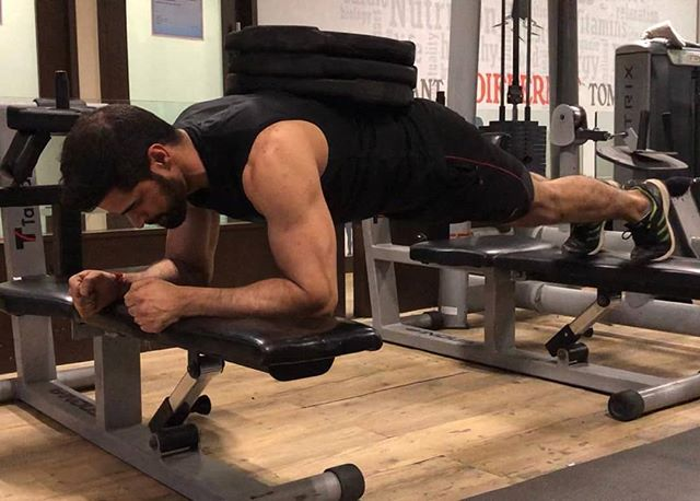 135lbs Weighted Planks Iron Core Bodybuildingcom Teambbcom Bbcombarbenders Getstrongertoday Allaccess Planks Gym Gymmotivation Gymlife Fitness Fit