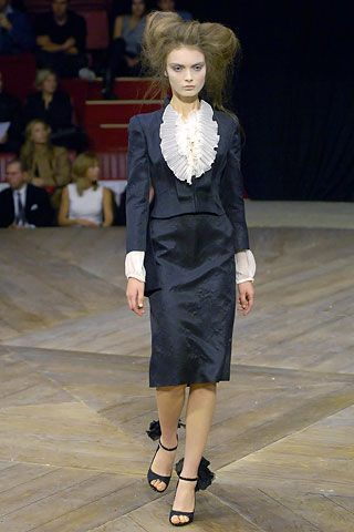 http://www.vogue.co.uk/shows/spring-summer-2007-ready-to-wear/alexander-mcqueen/collection/