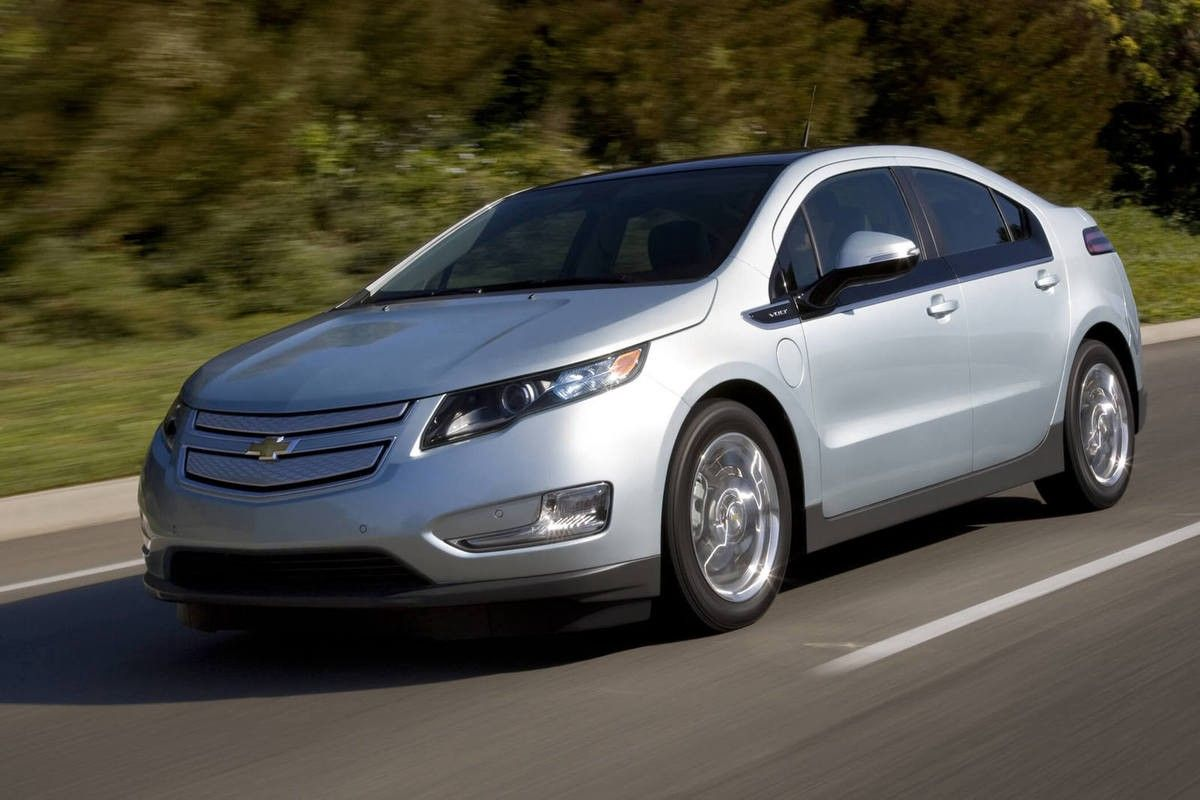 Chevrolet Begins Selective Road Testing Of The 2011 Volt Chevrolet Volt Chevrolet Cars Near Me