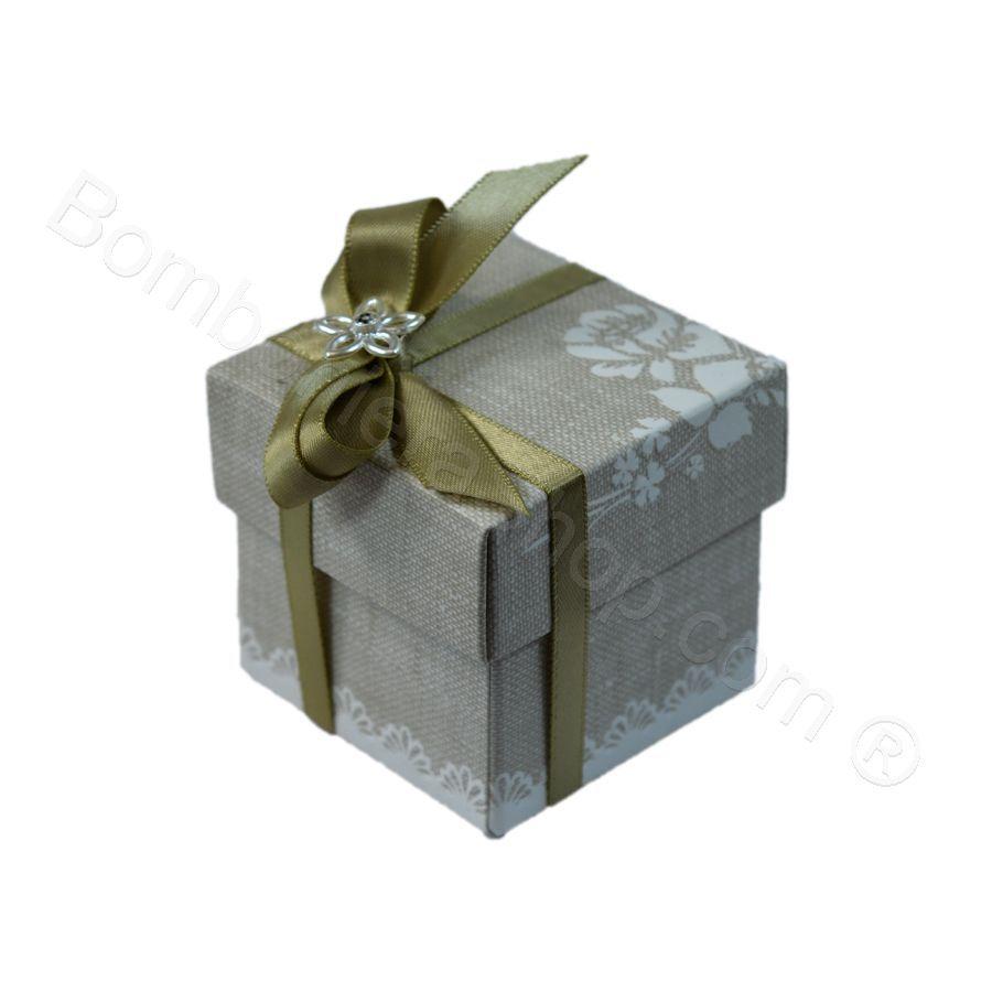 Scatolina Quadrata Shabby Chic con confetti inclusi