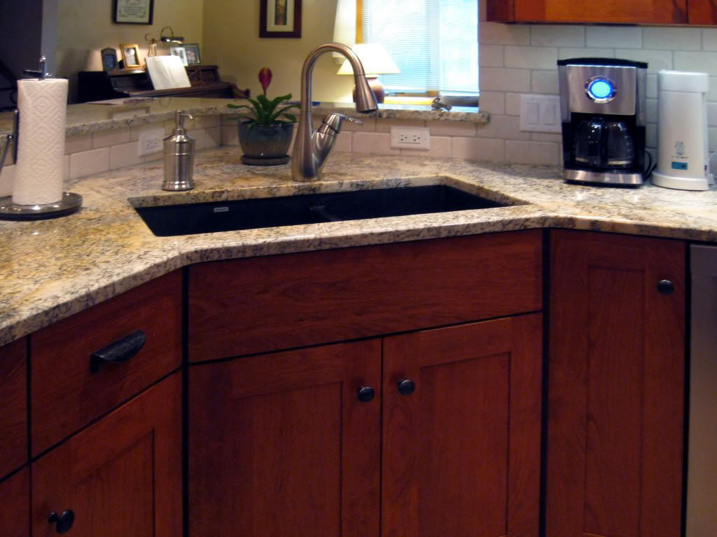 Here Are Kitchen Sink Ideas You Can Incorporate Into Modern Countertops And Improve The Entire Roo Corner Sink Kitchen Kitchen Sink Design Clean Kitchen Design