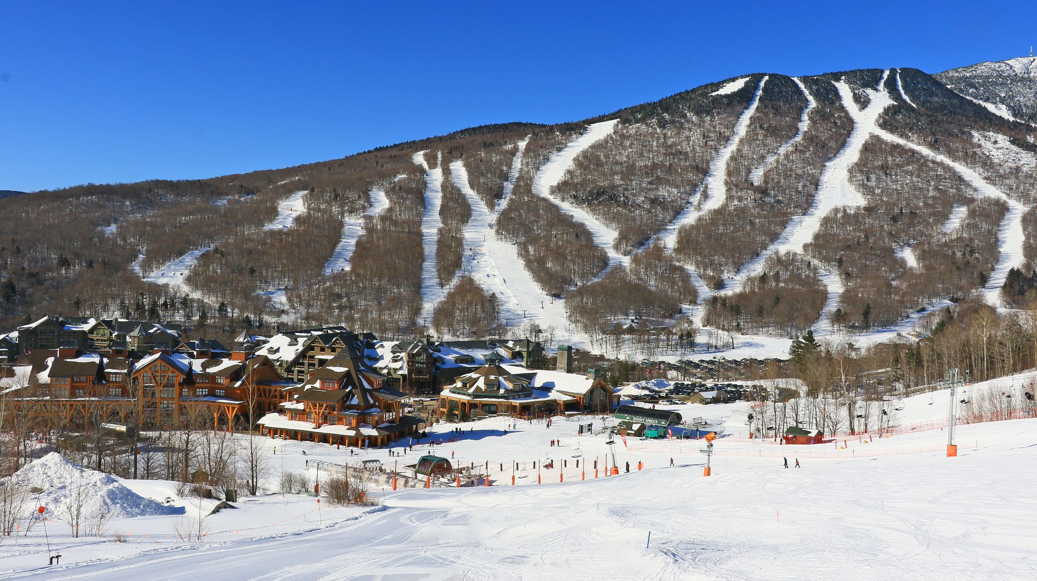 Guide To Vermont Ski Resorts Vermont Ski Resorts Ski Resort Best Ski Resorts
