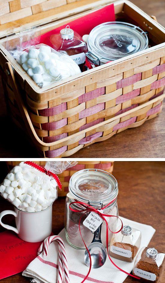 44 diy gift basket ideas for christmas hot cocoa mixes for Homemade christmas gift basket ideas