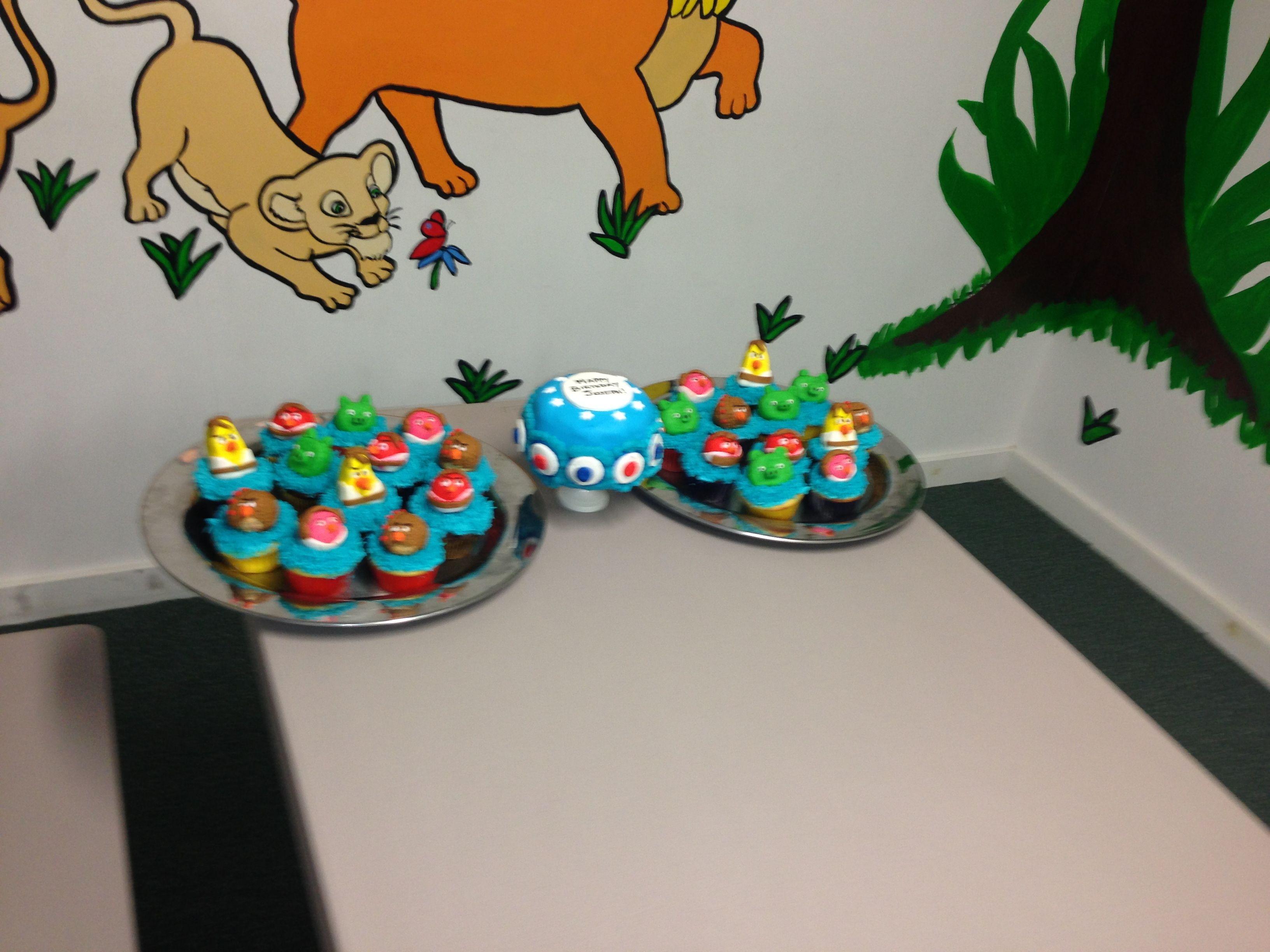Mini Cake Amp Angry Birds Star Wars Cupcakes