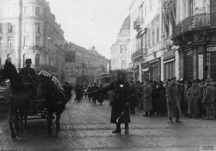 Via București Calea Victoriei în decembrie 1916, în timpul ocupației germane.