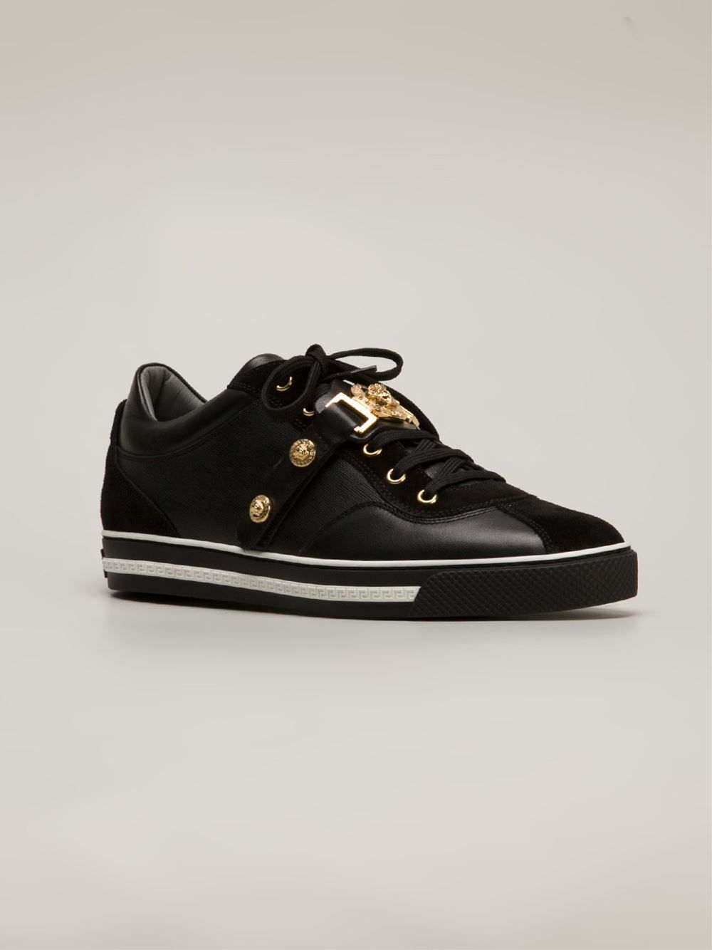 5573006068 Versace Medallion Trainers in Black for Men | Lyst | wardrobe ...