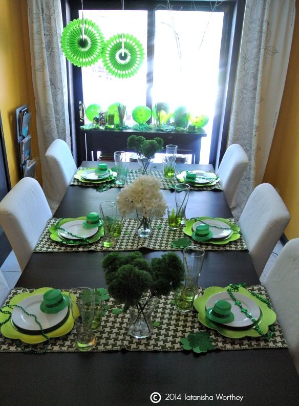 frugal st patrick 39 s day table decor ideas centerpieces and saints. Black Bedroom Furniture Sets. Home Design Ideas