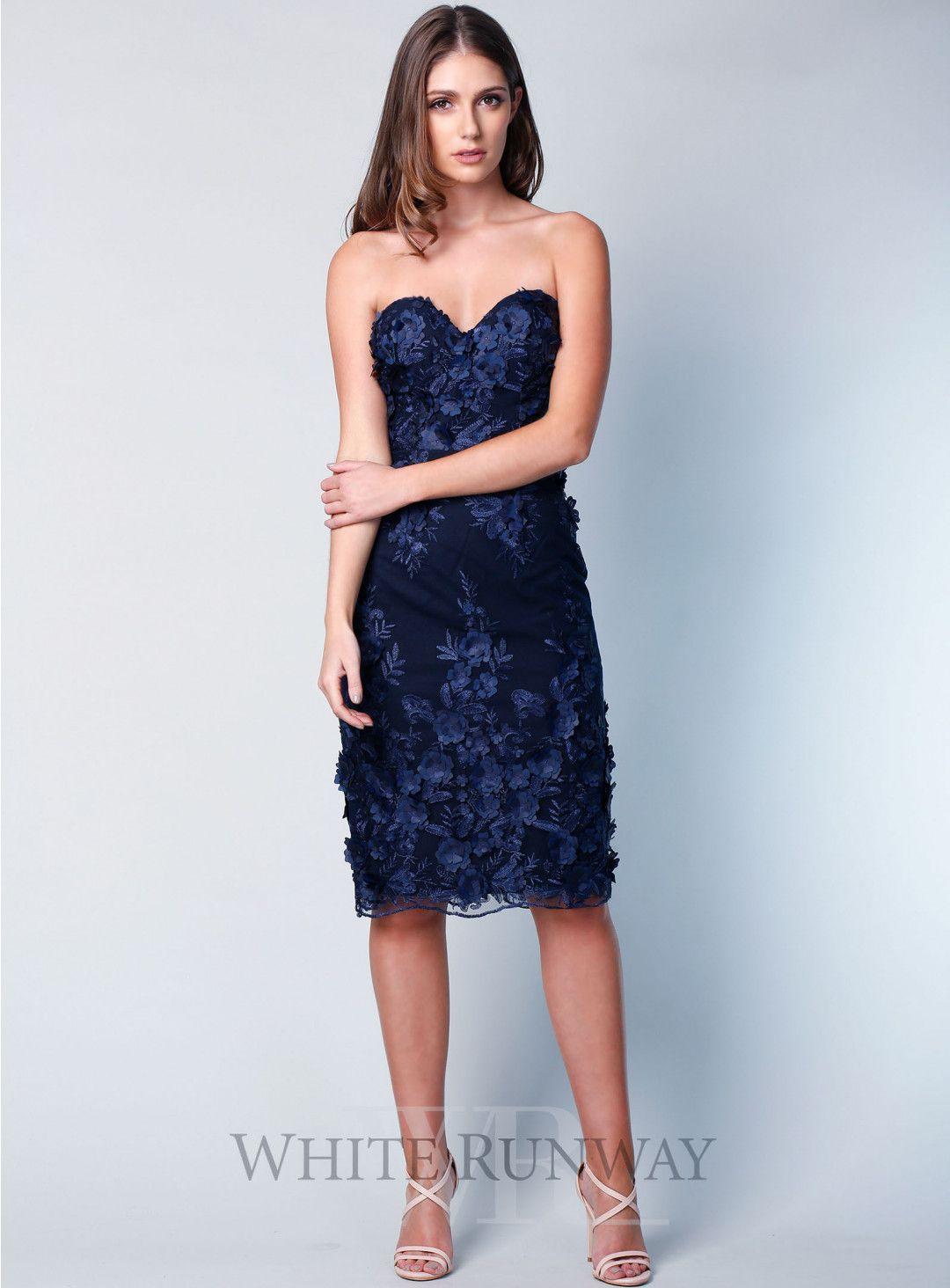Rosetta Lace Strapless Midi A Beautiful Midi Dress By Grace Hart Features A Sweetheart Neckline Delicate Floral Lace Dress Beautiful Midi Dresses Dresses [ 1464 x 1080 Pixel ]