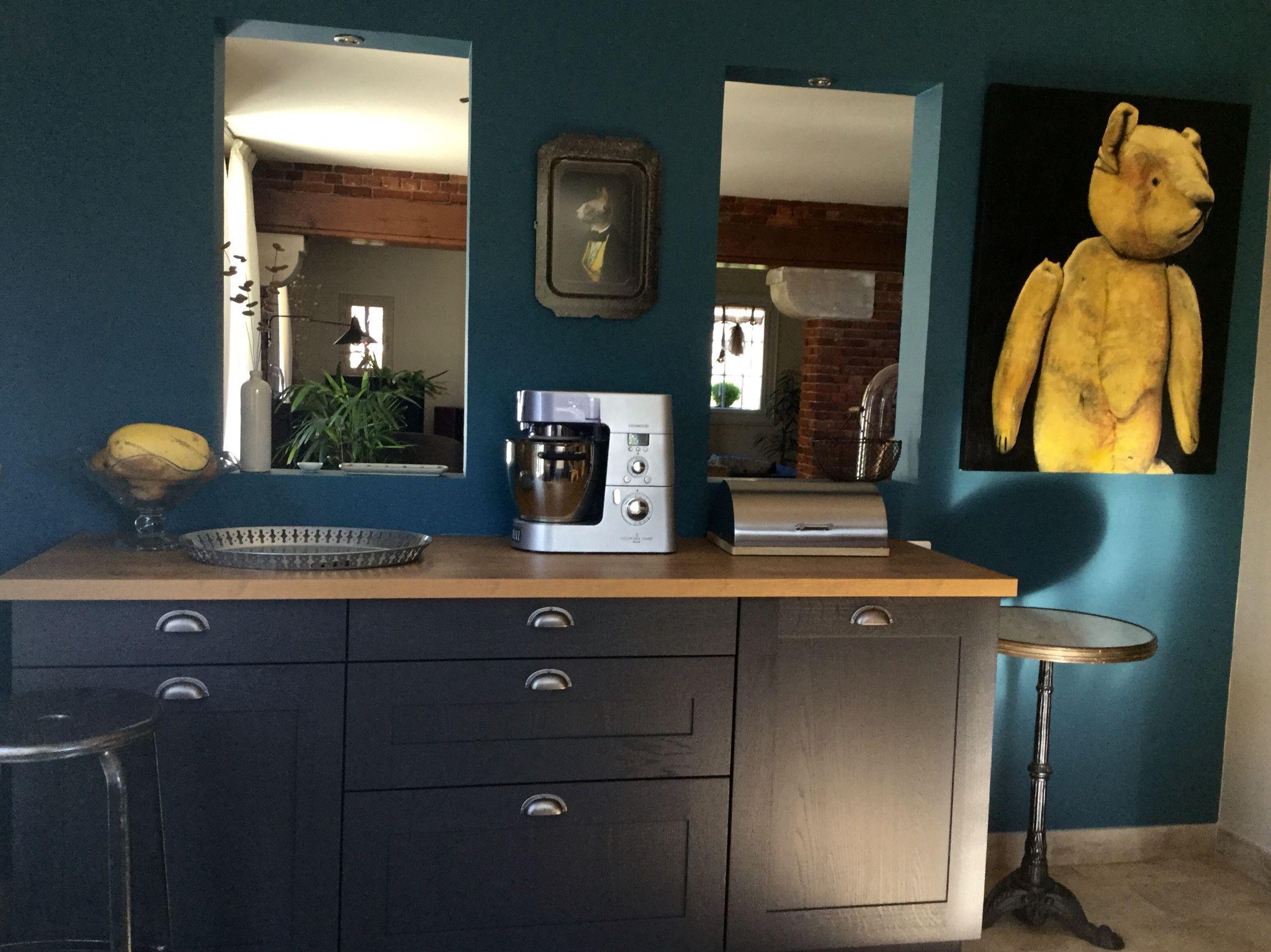 cuisine grise mur bleu canard goa