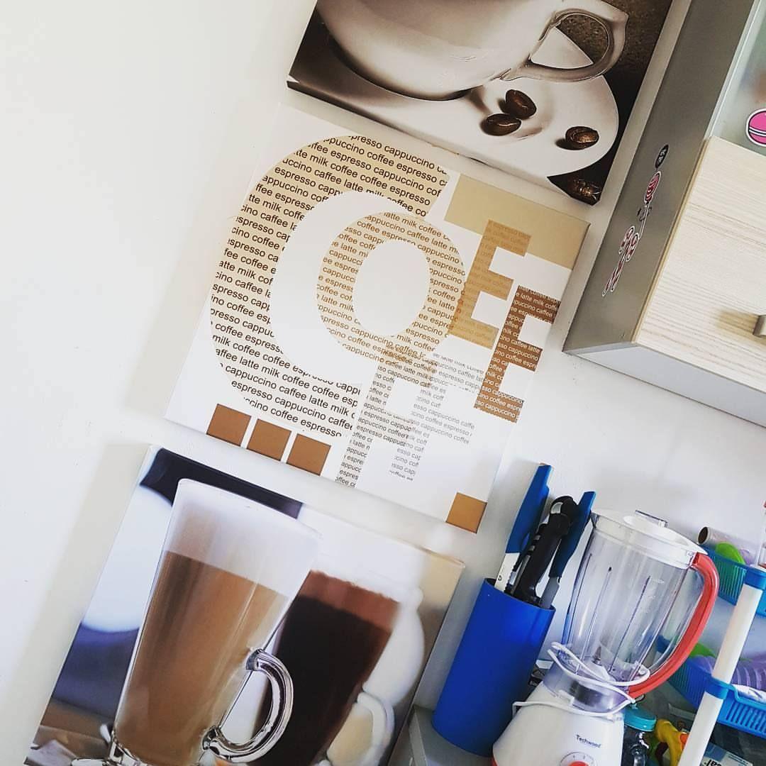 finest a dcor sa cuisine avec un triptyque de photos babou modern coffee with meuble wc babou. Black Bedroom Furniture Sets. Home Design Ideas