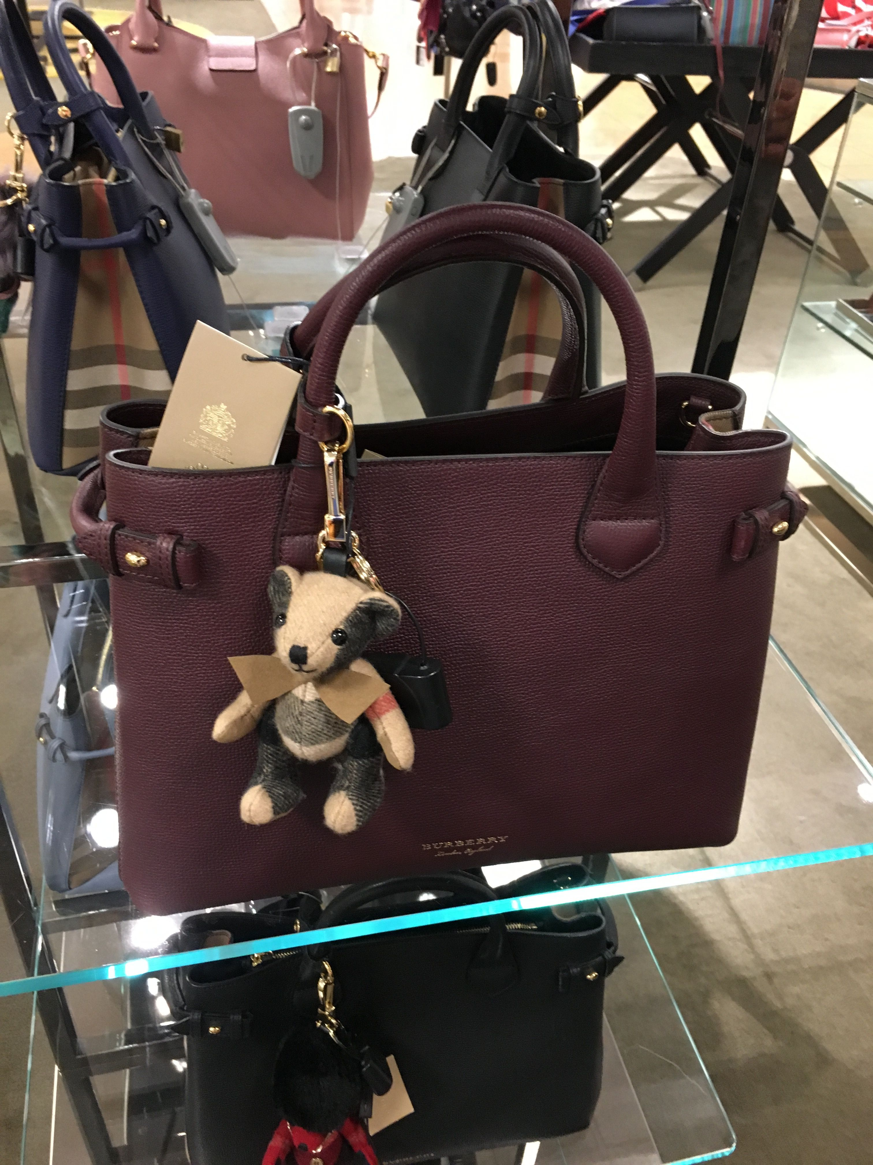 Burberry handbag 👜 and keycharm   Wish list   Pinterest   Burberry ... 3374bd2fe0