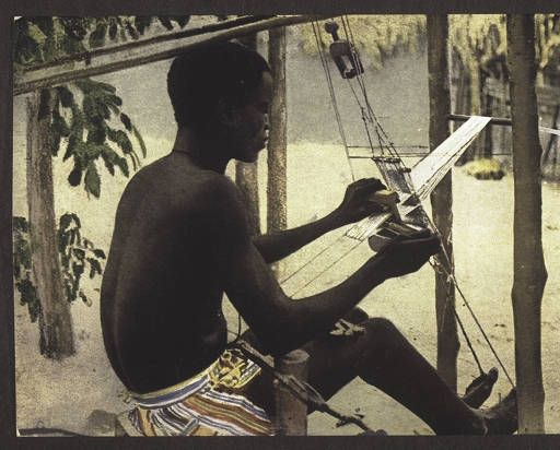 A weaver in the Gold Coast :: International Mission Photography Archive, 1917. Ghana.