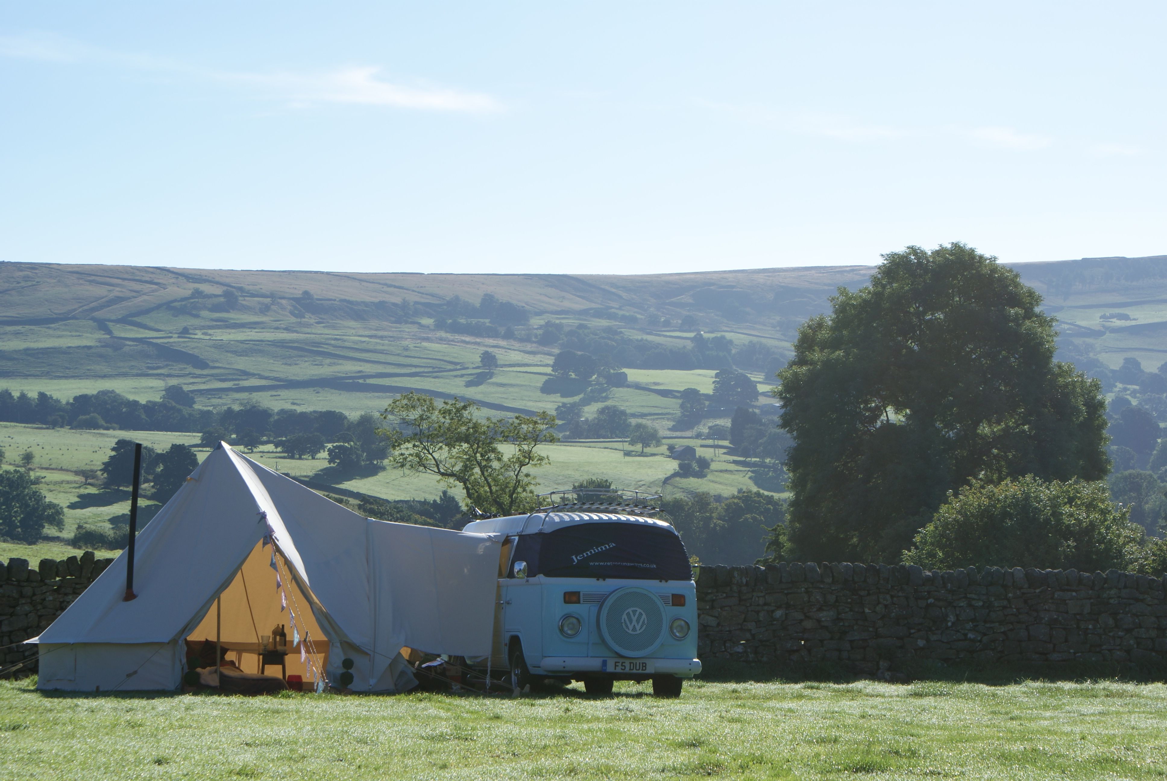 T5s Look Very Swish With Our Drive Away Bell Tent Awning On The Side Innovative Glamping Youll Never Back
