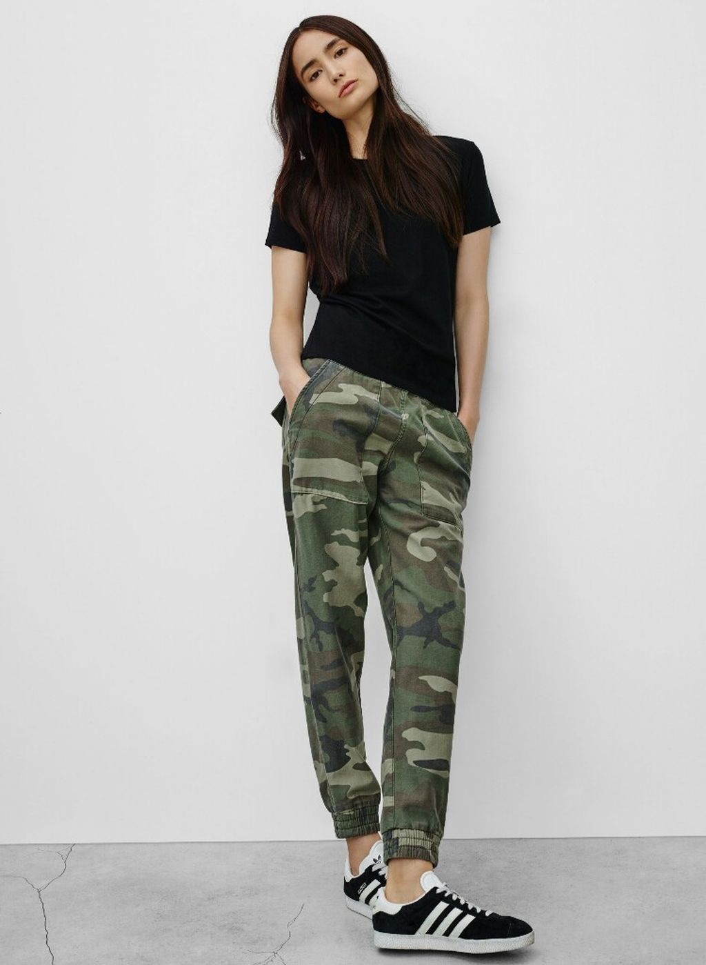 970ea9fd9a56 Cool 42 Stylish Womens Jogger Outfits Ideas For Winter. More at https