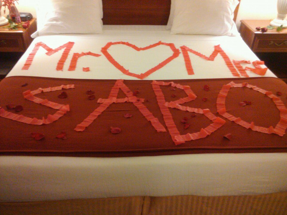 Decorate Bride And Groom S Hotel Room Before They Arrive Love