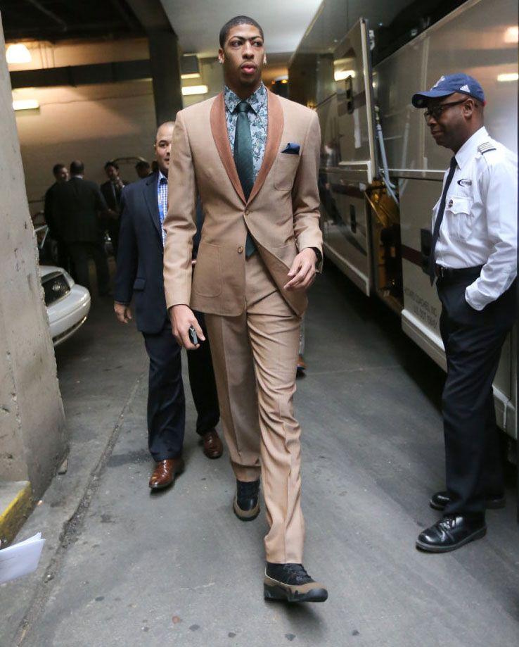 b5435f04e5194 Anthony Davis wearing Air Jordan 9 Olive