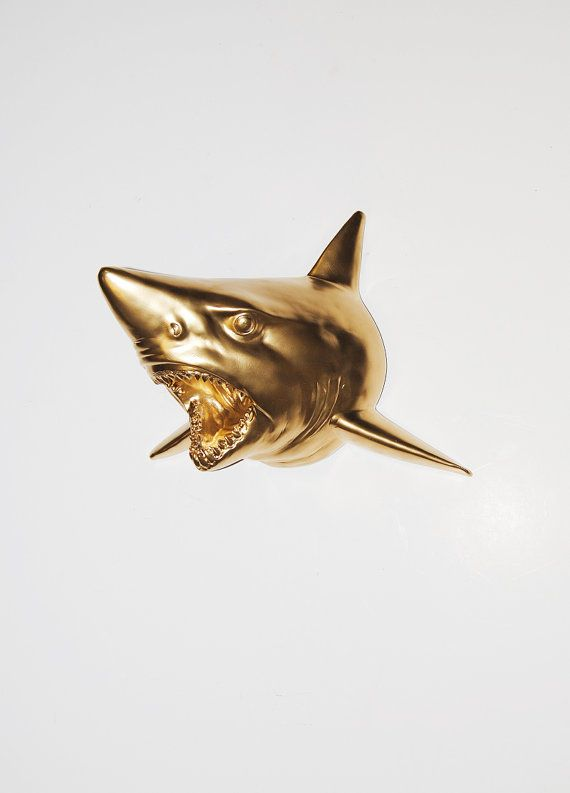 AOLVO Faux Taxidermy Retro Style Polyresin Shark Sculpture Desk Decor Fish Head Figurine Statue for Mantel Home Creative Shark Jaw Head Art Craft Gifts Living Room Office