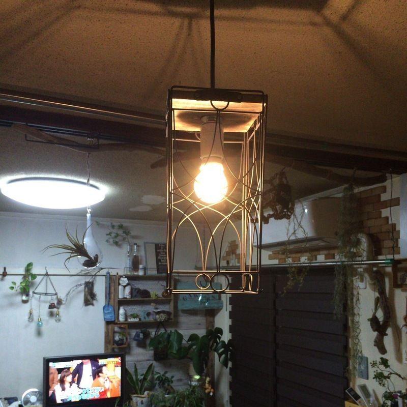 セリアのアイアンフレームを利用してランプシェードを作りました