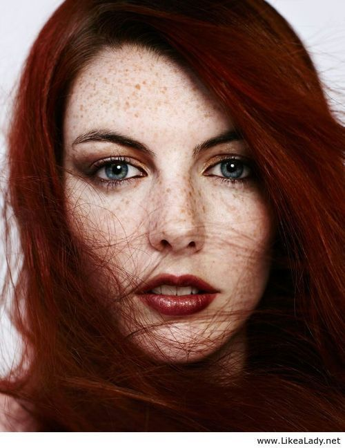 Makeup Red Hair Blue Eyes Szukaj W Google Tief Rote Haare
