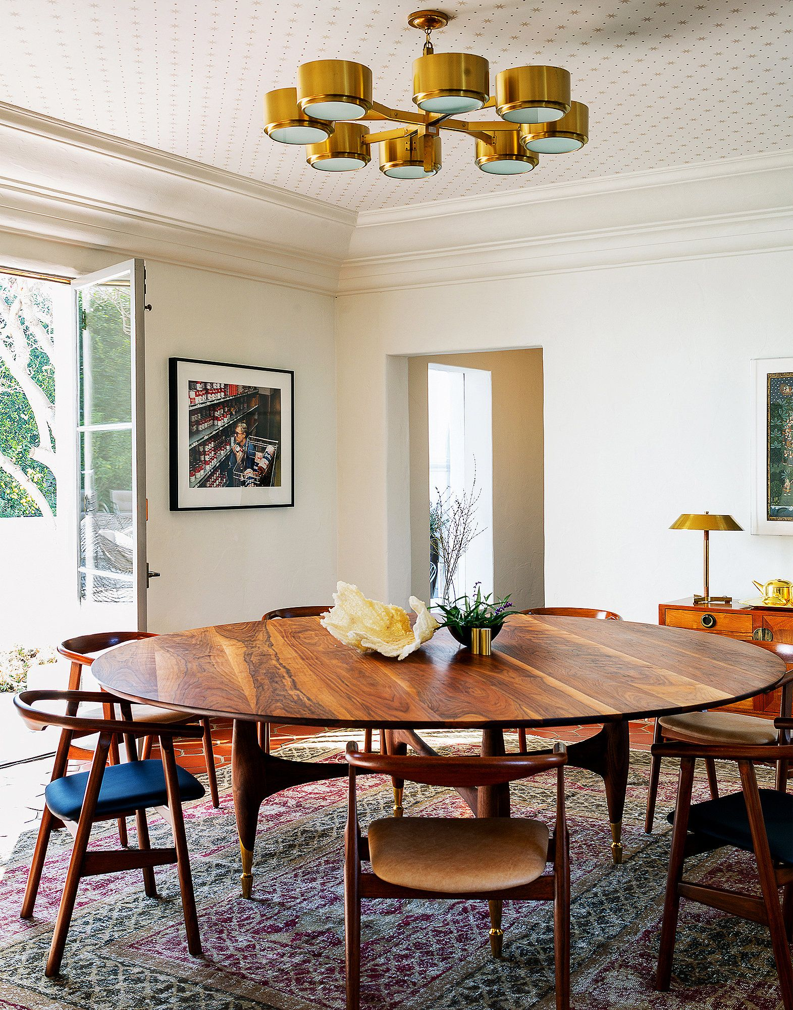 Where Howard Hughes Was Underfoot Mid Century Modern Dining Room Oval Table Dining Dining Room Sets