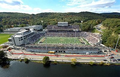 Michie Stadium Home Of Army Football Is Located Right On The Hudson River In Southern New York Football Stadiums Nfl Stadiums Michie Stadium