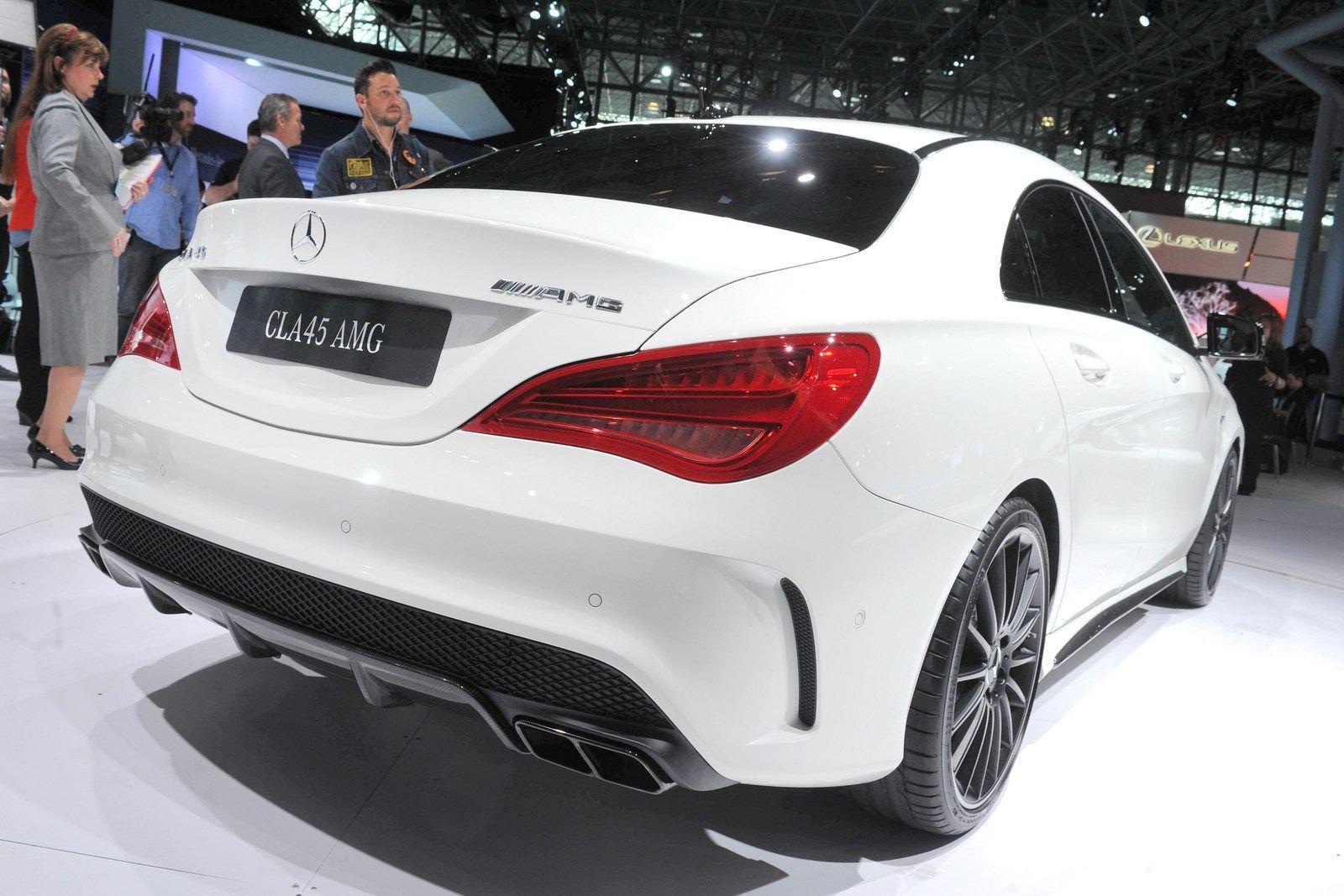 Mercedes-Benz CLA 45 AMG
