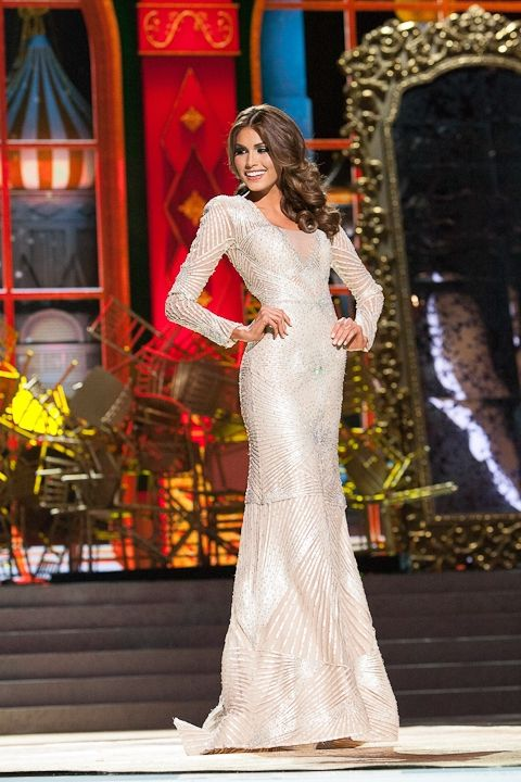 María Gabriela Isler, Miss Venezuela at Evening Gown Competition ...