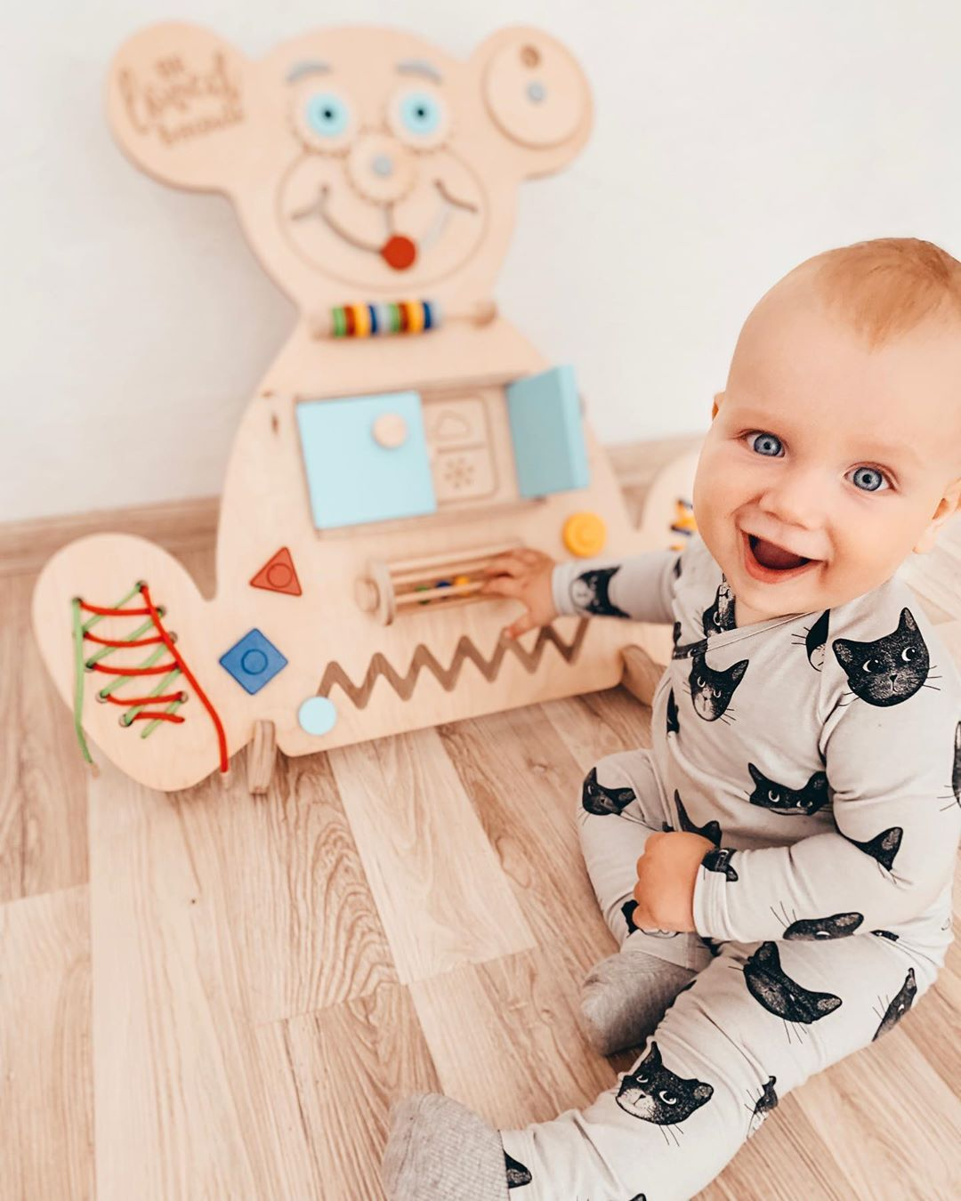 Baby busy board for children in 2020 | Busy board baby ...