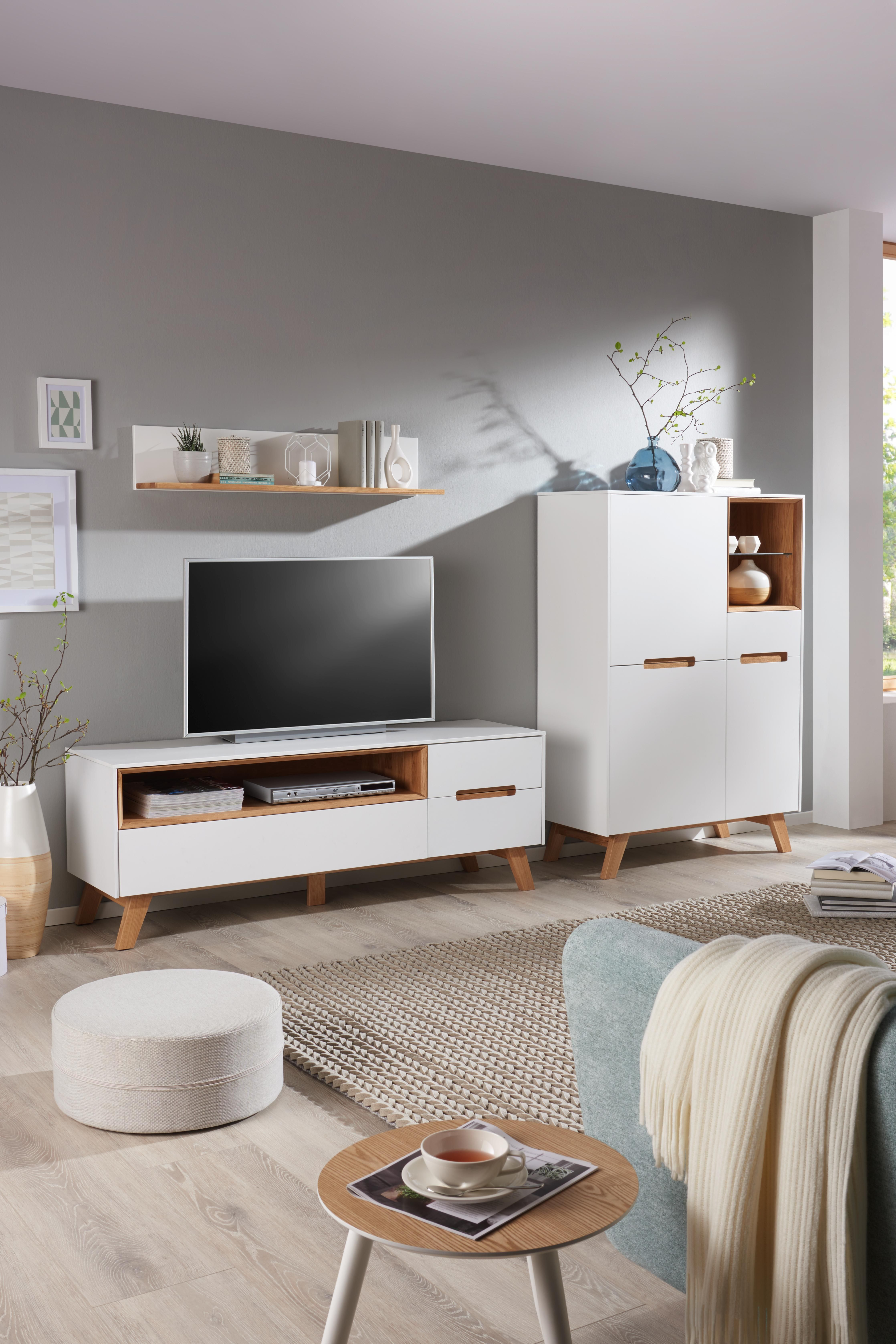 Weiße Wohnzimmer Möbel aus Holz Skandinavisch frisch und