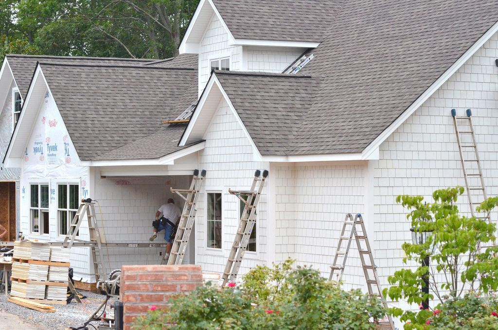 Image Result For Decorators White By Benjamin Moore White Siding House Hardie Siding Shingle House