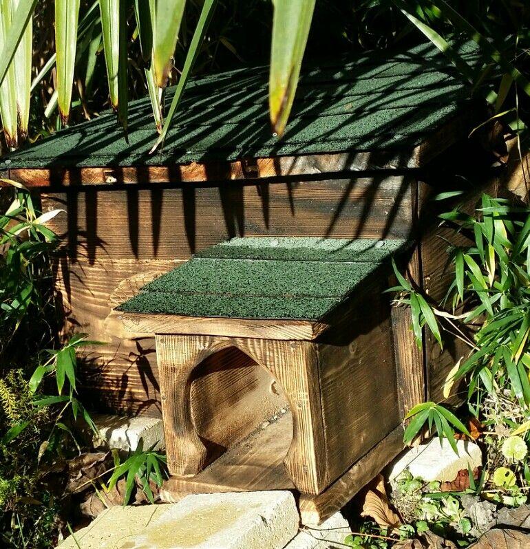 hedgehogs house m zigue pinterest maison h risson abri h risson et jardins. Black Bedroom Furniture Sets. Home Design Ideas