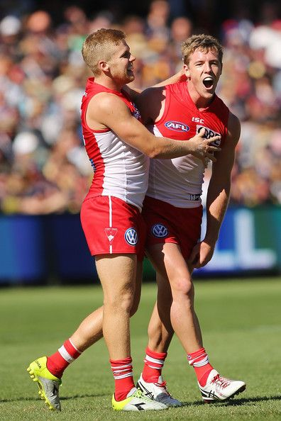 Luke Parker in AFL Rd 3 - Adelaide v Sydney