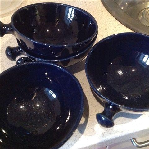 Smukke skåle i fin mørkeblå - 15,00 DKK - Så fine til snacks, pris er pr stk - 1 - 2 hverdage