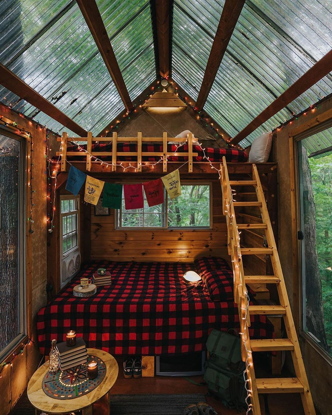 This Couple Built an Amazing, Tiny Home Out of a Shipping C...