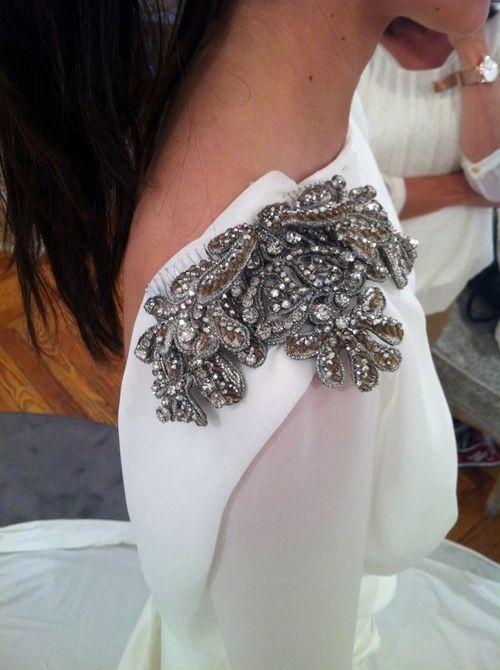 Aplicaciones bordadas para vestidos de fiesta