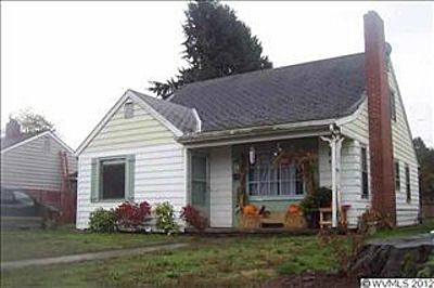 582 Wayne Dr N Keizer Or 97303 Zillow State Of Oregon Outdoor Structures Home Family