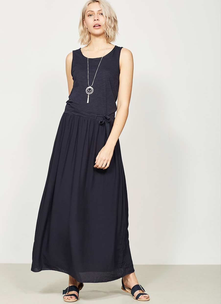Web Exclusive - Ideal for easy everyday style is this ink jersey maxi dress. With a flattering scoop neckline and a waist channel for a chic silhouette. Model is 5'10in and wears a UK size 10. The length from side neck point to front hem measures 141.5cm/56in.