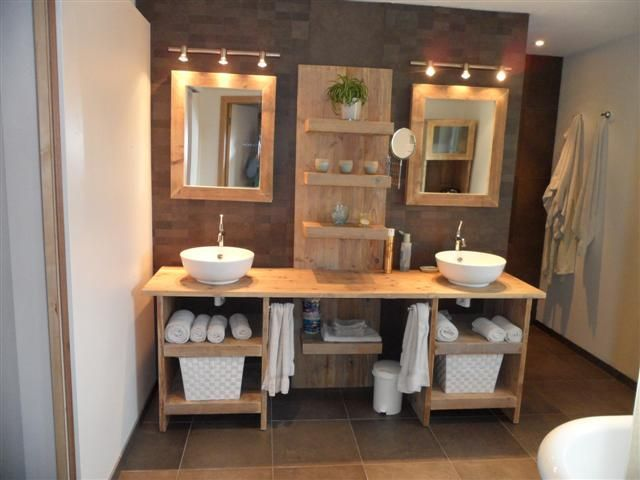 Single vanity with different more rectangular sinks and one large - meuble salle de bain pierre naturelle