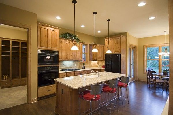 Charmant Kitchn In Small Home | Tips To Design Open Kitchen Floor Plans