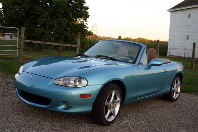 Delicieux 2001 Mazda Miata Crystal Blue Metallic