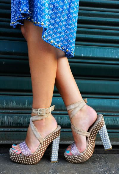 heels and blue toes... i die!