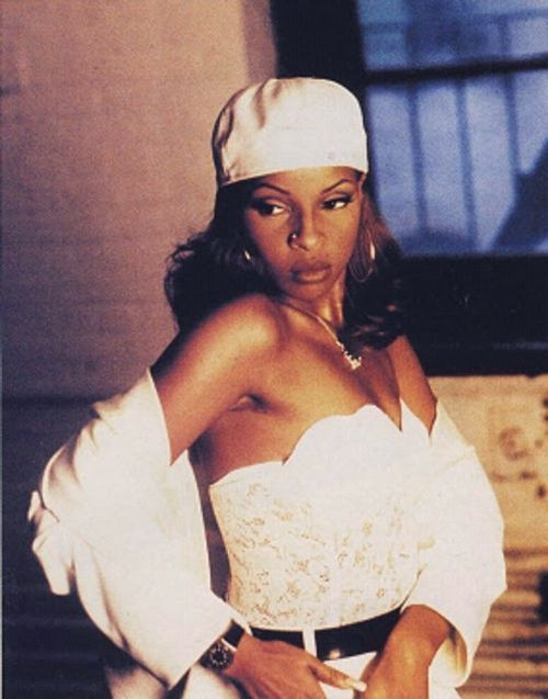 Mary J. Blige 90s | MARY-J-BLIGE-REAL-LOVE-VIDEO-1992-mary ...